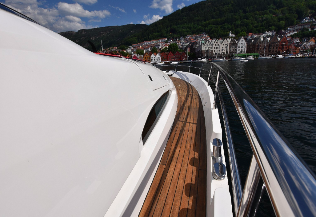 Top the Fjords Yachts in Bergen